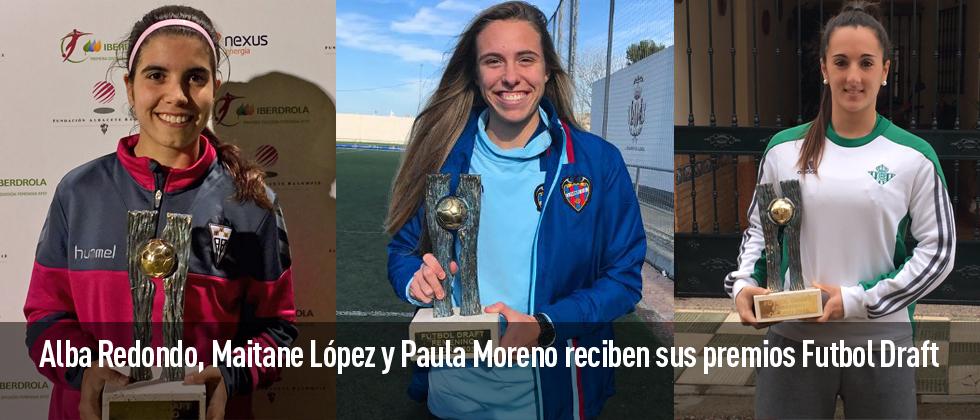 Las tres jugadoras, seleccionadas en el Once de Oro femenino, han posado en las redes sociales con su premio