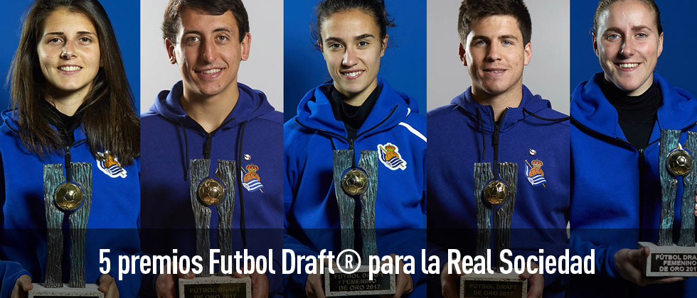 Los jugadores de la Real Sociedad reciben sus premios Futbol Draft