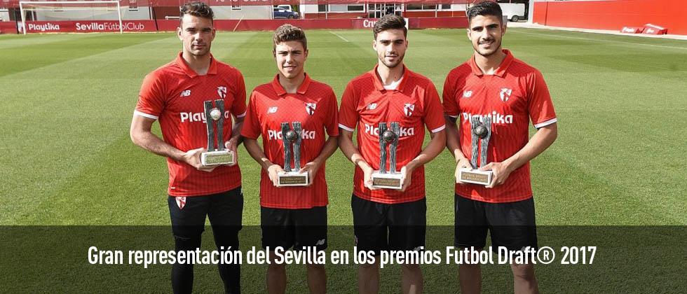 Los jugadores del Sevilla reciben sus premios Futbol Draft 2017